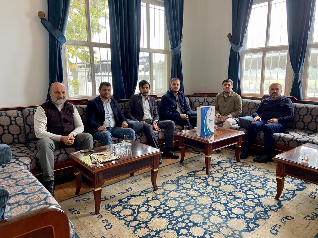 زيارة رسمية إلى İnsan ve medeniyet hareketi